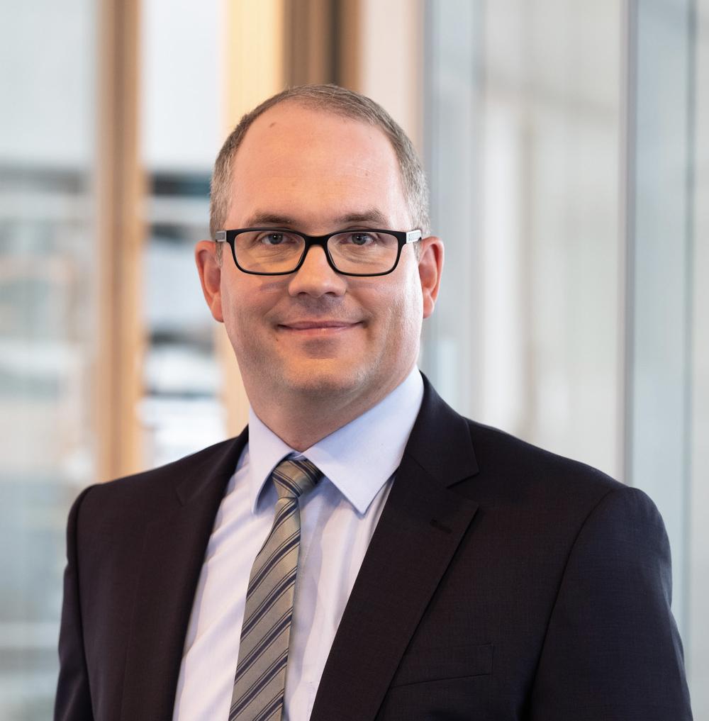 Dr. Marc Viebahn